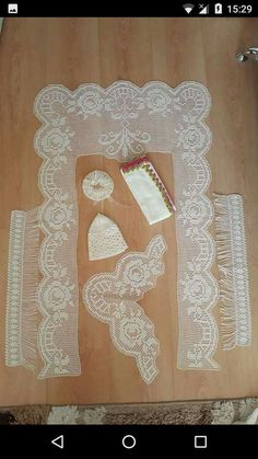 HUZUR SOKAĞI (Yaşamaya Değer Hobiler) Filet Crochet, Diy Crochet, Prayer Rug, Baby Knitting Patterns, Diy And Crafts, Projects To Try, Handmade, Crochet Roses, Crochet Bikini