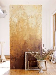 ombre plaster wall in golden neutrals and browns