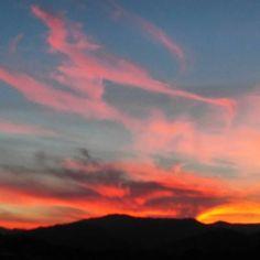 Llegando al solsticio #puestadelargo #sunset #otrodelosnuestros #paraquetuloveas #desdeitxasmendi #venysueña #ItxasmendiNosCuida #Finestrat