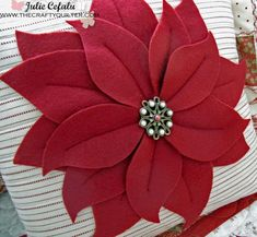Christmas poinsettia pillow tutorial @ The Crafty Quilter Cute Christmas Ideas, Welcome To Christmas, Christmas Crafts, Christmas Decorations, Christmas Ornaments, Crochet Christmas, Christmas Angels, Christmas Bells, Poinsettia Flower