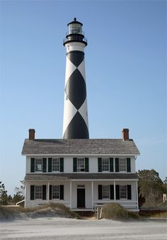 Cape Lookout Lighthouse in North Carolina Nc Lighthouses, North Carolina Lighthouses, North Carolina Homes, Carolina Usa, Atlantic Beach, Atlantic Cod, Beacon Of Light, East Coast, Beautiful Places