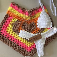 Crochet Bikini Pattern, Crochet Shorts, Crochet Clothes, Diy Clothes, Crochet Patterns, Cute Ripped Jeans, Crochet Art, Crochet Fashion, Crochet Projects