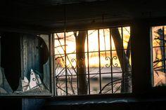 💚 New free photo at Avopix.com - Interior of Abandoned Building    ✅ https://avopix.com/photo/66035-interior-of-abandoned-building    #door #window #building #architecture #cell #avopix #free #photos #public #domain