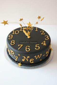 new years countdown clock cake