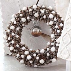Pine cone & snowball wreath