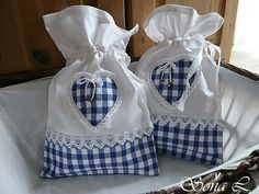 Pretty little gift bags Lavender Bags, Lavender Sachets, Sewing Crafts, Sewing Projects, Fabric Gift Bags, Blue Gingham, Handmade Bags, Purses And Bags, Sewing Patterns