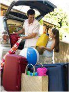 Okrem príjemných starostí, ako je výber dovolenky, nás čaká vec menej príjemná a tou je balenie batožiny. Ako a čo si zbaliť na dovolenku k moru?
