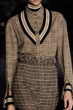Burberry Fall 2020 Ready-to-Wear Fashion Show Fashion Week, Fashion 2020, Fashion Brands, Fashion Show, Womens Fashion, Vogue Paris, Fringe Fashion, Fairytale Fashion, Burberry Prorsum