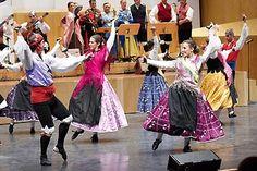Once agrupaciones artísticas procedentes de seis países de Europa, Asia, África y América recorrerán la provincia de Zaragoza para inundarla de danza, canto y música. La vigésimo primera edición del Encuentro Internacional de Folklore pasará, además de por la capital, por una docena de municipios del 29 de agosto al 2 de septiembre.