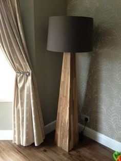 Linear Large Floor Lamp