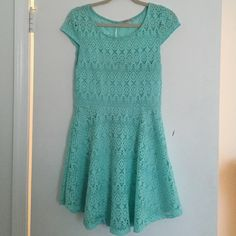 Spring Dress Gentle worn, cute spring dress with lining underneath Charlotte Russe Dresses