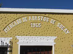 Cacería Tipográfica N° 51: Fachada del Mercado de Abastos de Sogay, pueblo de la provincia de Arequipa, con año de construcción 1965.