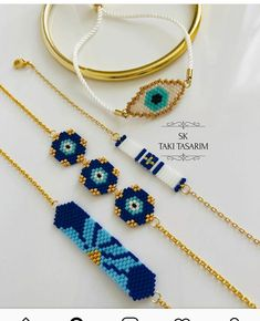 Beaded Jewelry, Handmade Jewelry, Beaded Necklace, Beaded Bracelets, Bead Crafts, Diy And Crafts, Brick Stitch, Friendship Bracelets, Bracelets