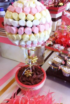 Decoración para barra de dulces de XV años.
