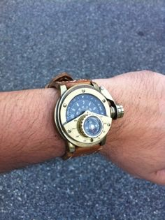 My steampunk Uhrwerk Swiss automatic brass watch with a custom Russian ammo pouch leather strap. Haunted House Pictures, Longines Watch Men, Steampunk Watch, Fashion Shoes, Mens Fashion, Steampunk Accessories, Yesterday And Today, Luxury Watches For Men, Cool Watches