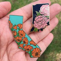 Repost @lilboatboutique ATTN ATTN: The first two pins in my state flower series go live this Saturday 4/7 at 11am EST! A very limited amount of California Poppy pins will be made available this weekend so I can make sure I have enough for @indeemarket in Hollywood on 4/15. (If you live in LA come see me!) After the 15th any remaining stock will go in the shop but wont ship until 4/23! So if youre dying to get one set your alarm for Saturday morning! They will be listed this weekend at…