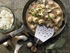 Pilzrezepte können im Herbst wunderbar tägllich zubereitet werden. Bei EAT SMARTER entdecken Sie die passenden Rezepte.