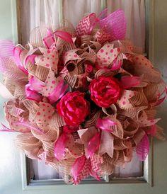 Spring deco mesh wreath, Floral Wreath, Summer Door Hanger, Custom door decor, Pink and Jute Burlap Decor, Mesh Home Decor, burlap ribbons