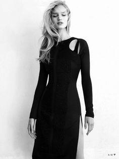 Rosie Huntington-Whiteley for Vogue Turkey.