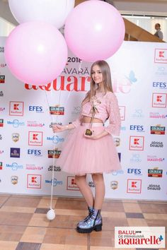 Iuliana Beregoi like a Fairy Princess in a Sparkly Crop Top and Tulle Skirt by Pupi Sweet Dress 🎀 Sparkly Crop Tops, Fairy Princesses, Sweet Dress, My Idol, Diy And Crafts, Unicorn, Tulle, Wallpaper, Skirts