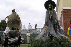 Outubro é o mês do Halloween e assim como no Natal, muitas famílias americanas transformam as suas casas.