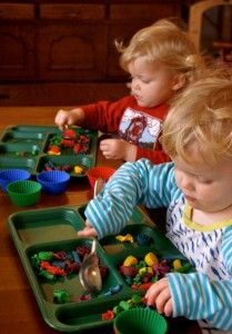 100 ways to avoid tv - lots of ideas for 2-3 yr olds. Added to my summer activity list.