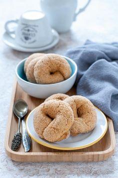 Golose #ciambelline al #caffè con impasto #senzauova facilissime e veloci #ricetta #biscotti #taralli