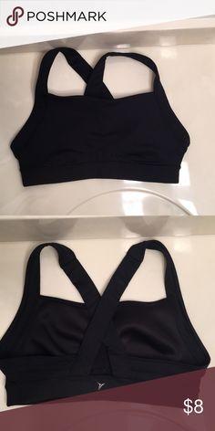 Old Navy black sports bra Old Navy sports bra Medium support Size large Black Go-Dry Body: 85% polyester 15% spandex Elastane: 75% nylon 15% spandex Old Navy Intimates & Sleepwear Bras
