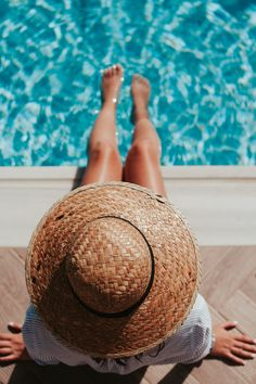 """Summer Hair Care Tips, Hair Care Tips, """" These are THE BEST 10 Tips for summer hair care. Source by ninoskagoris. Hd Photos, Girl Photos, Photographie Portrait Inspiration, Poses Photo, Free Summer, Summer Bucket Lists, Foto Pose, Summer Pictures, Photos Of Women"""