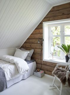 4 Buoyant Cool Tips: Attic Renovation Tips attic space ladder.Attic Home Window rustic attic loft. Decor, Room, Interior, Attic Bedroom Small, Bedroom Design, Bedroom Loft, Home Decor, House Interior, Small Bedroom
