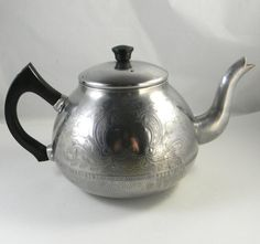 Vintage Teapot  Rare 8 cup  Swan Brand  Made in by FeliceSereno, $15.00