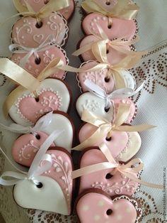 Купить Сердечки Пряничные - сердечки, валентинки, Пряники имбирные, пряничный сувенир, День всех влюбленных