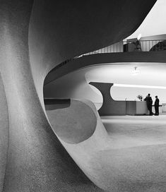 Balthazar Korab (TWA Flight Center, interior mezzanine with ticket counters, 1962)