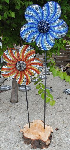 MOSAIC YARD ORNAMENTS