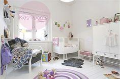 room2 by Kenziepoo, via Flickr