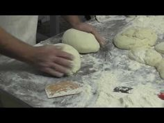 Making Spanish bread in La Murta Spanish Bread, Spanish Food, All About Spain, Pan Bread, How To Make Bread, Video Project, Jumbo Jet, Cooking Recipes, Baking