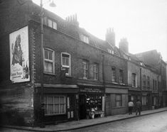 East End Photographs and Drawings - Casebook: Jack the Ripper Forums London Pictures, London Photos, London History, British History, Vintage London, Old London, Tower Hamlets, East End London, Uk Photos