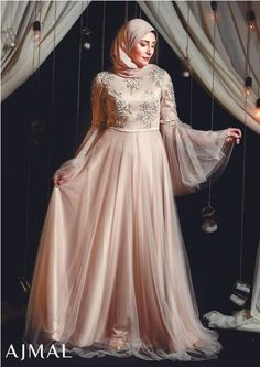 Go within a world filled with fantasy involving these chic soirée designs. These elegant hijab evening dresses presented by Ajmal's fashion house; Hijab Prom Dress, Dress Brukat, Hijab Gown, Hijab Evening Dress, Kebaya Dress, Muslim Wedding Dresses, Muslim Dress, Evening Outfits, The Dress