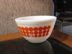 vintage orange dot pyrex bowl