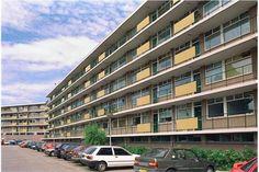 MVGM Woningmanagement verhuurt aan de rand van Wageningen, in de wijk Nude, een aantal ruime appartementen nabij het stadscentrum en diverse voorzieningen. Wageningen is een middelgrote stad en telt zo'n 40.000 inwoners. De centrale ligging van de s...