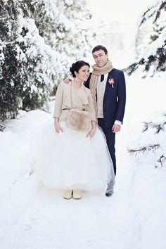 winter Moscow wedding, photo by Sonya Khegay http://ruffledblog.com/romantic-moscow-wedding #winter #wedding #snow