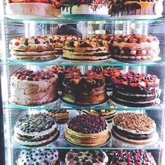 [New] The 10 Best Dessert Ideas Today (with Pictures) - Cake vault Which one would u pick . Berry Cake, Bakery Cafe, Cafe Food, Cake Shop, Pretty Cakes, Beautiful Cakes, Aesthetic Food, Food Cravings, Cake Decorating