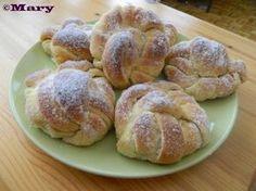 Vaniljaiset kristallipullat Dessert Recipes, Desserts, Hamburger, French Toast, Muffins, Bread, Cookies, Breakfast, Baking Ideas