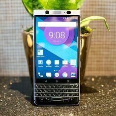 #inst10 #ReGram @confidenceswe: BlackBerry DTEK70 Google Pixel dan Pixel XL camera (12.3MP Sony IMX378 f/2.0) . Spesifikasi lainnya - Layar 4.5inch 1620x1080p - CPU Snapdragon 821 (835 di borong Samsung untuk S8) - RAM 3/4GB - Storage 32GB - Kamera Belakang 12.3MP Sony IMX378 f/2.0 - Kamera depan 8MP - Fingerprint (spacebar) - Android 7.0 Nougat - Baterai 3400mAh . Photo credit by @androidcentral #BlackBerry #DTEK70  #BlackBerryMercury #BlackBerryDTEK70  #BlackBerryClubs #BlackBerryPhotos…