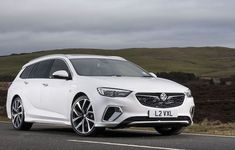 Vauxhall Insignia Sports Tourer GSi Performance Engines, Performance Cars, Audi, Bmw, Head Up Display, Four Wheel Drive, Back Seat, Fuel Economy, Cars
