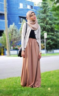 """Find and save images from the """"Hijab Fashion Inspiration"""" collection by on We Heart It, your everyday app to get lost in what you love. Islamic Fashion, Muslim Fashion, Modest Fashion, Basic Outfits, Modest Outfits, Modest Clothing, Beautiful Hijab, Beautiful Outfits, Hijab Fashion Inspiration"""