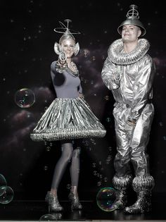 DIY Projects & Crafts Halloween Special Issue Costumes - The Crafts Dept., DIY Projects & Crafts Halloween Special Issue Costumes - The Crafts Dept. Space Costumes, Diy Costumes, Adult Costumes, Costumes For Women, Diy Alien Costume, 90s Costume, Robot Costumes, Family Halloween Costumes, Halloween Crafts