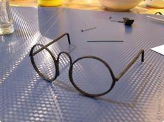 Как сделать очки для куклы. Мастер-класс.