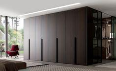 Elegancia y estilo, el armario Milano de #MisuraEmme para BANNI Elegant Home.Visite nuestro #showroom en #Madrid #Barcelona #Marbella nuestros interioristas le atenderán encantados.   #interiordesign #vestidores #walkincloset #wardrobe #cocina #homedeco #decor #home #homedesign #design#furniture #mobiliario #decoraciondeinteriores#interiorismo #diseño
