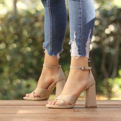 #beige #heels #nude #shoes Beige Heels, Nude Shoes, White Beige, Peeps, Peep Toe, Women's Fashion, Fashion Women, Womens Fashion